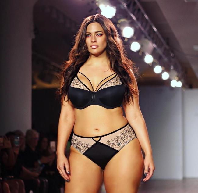 Mẫu béo Ashley Graham muốn làm thiên thần Victorias Secret, Bella Hadid từng bị đánh trượt khỏi show năm ngoái - Ảnh 3.