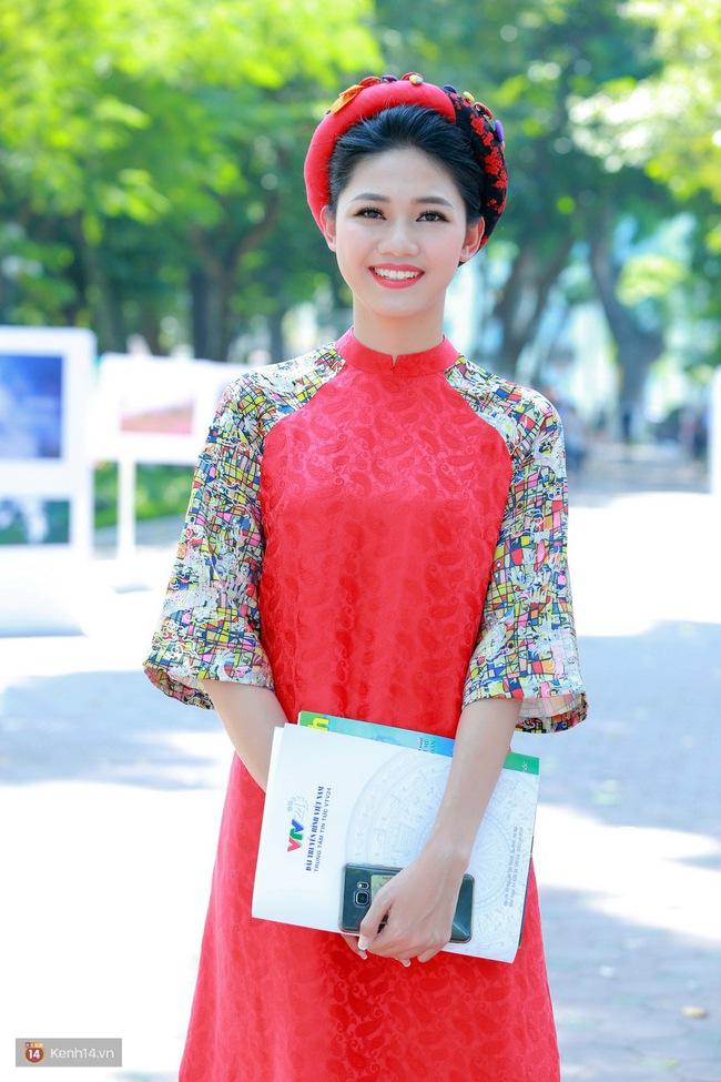 Á hậu Thanh Tú đọ sắc cùng người đẹp biển Đào Thị Hà sau cuộc thi HHVN 2016 - Ảnh 2.
