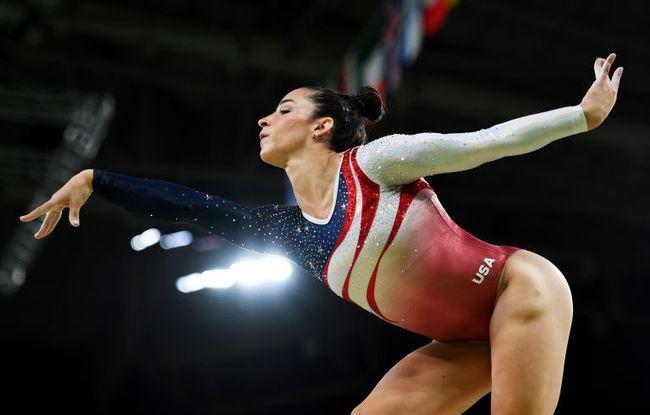 Mỗi vận động viên tuyển thể dục dụng cụ Mỹ tại Olympic đều sở hữu set đồng phục gần 300 triệu đồng - Ảnh 5.