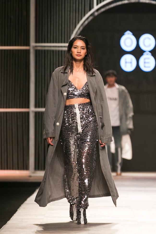 Hot girl Hà Lade tái xuất sàn catwalk, Hoàng Thùy làm vedette trong đêm diễn thứ 2 của Vietnam International Fashion Week - Ảnh 98.