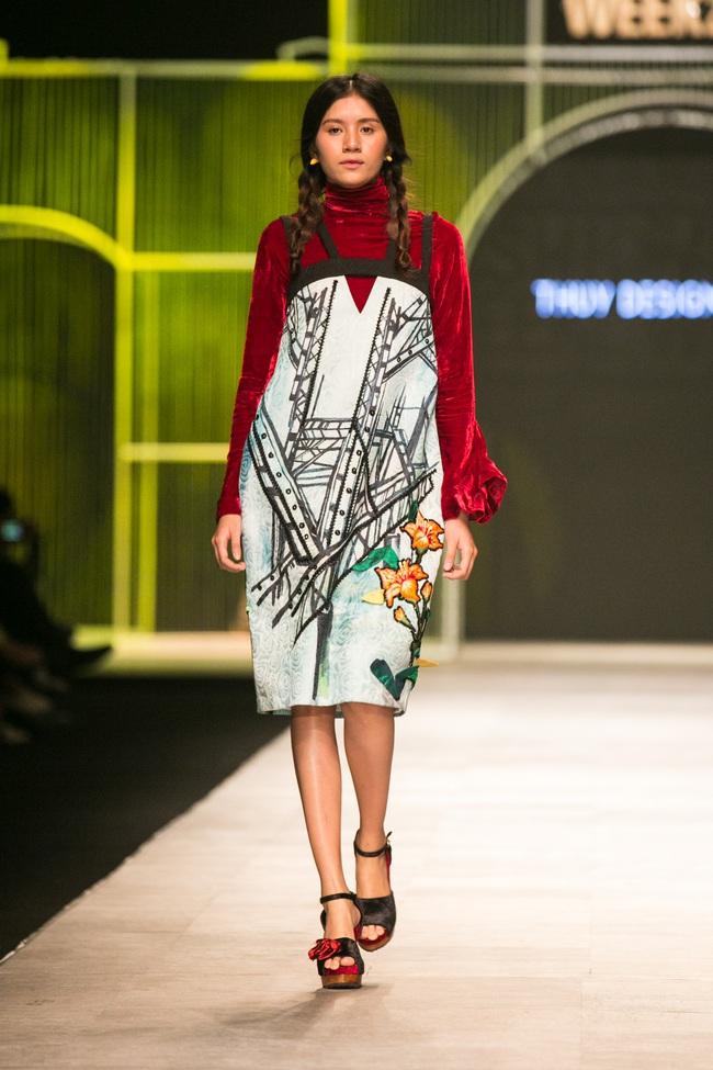 Hot girl Hà Lade tái xuất sàn catwalk, Hoàng Thùy làm vedette trong đêm diễn thứ 2 của Vietnam International Fashion Week - Ảnh 53.