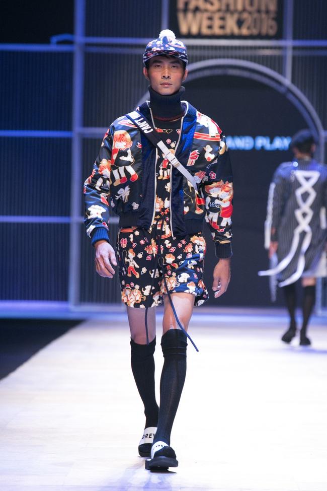 Hot girl Hà Lade tái xuất sàn catwalk, Hoàng Thùy làm vedette trong đêm diễn thứ 2 của Vietnam International Fashion Week - Ảnh 69.
