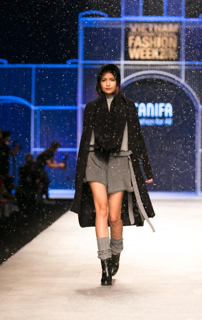 Hot girl Hà Lade tái xuất sàn catwalk, Hoàng Thùy làm vedette trong đêm diễn thứ 2 của Vietnam International Fashion Week - Ảnh 81.