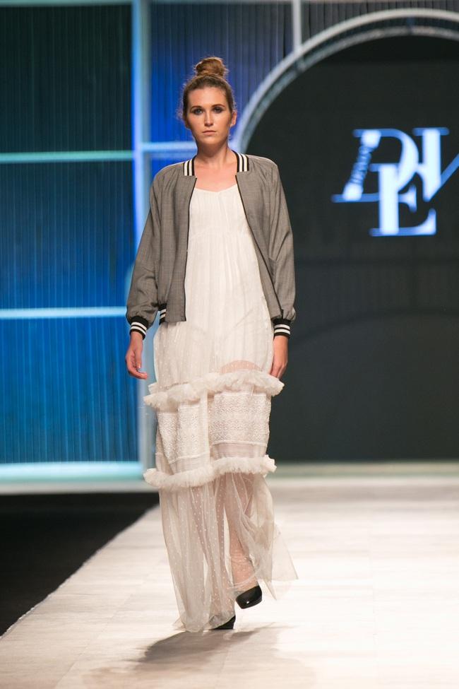 Hot girl Hà Lade tái xuất sàn catwalk, Hoàng Thùy làm vedette trong đêm diễn thứ 2 của Vietnam International Fashion Week - Ảnh 12.