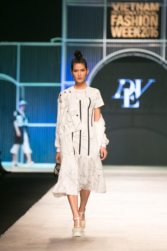 Hot girl Hà Lade tái xuất sàn catwalk, Hoàng Thùy làm vedette trong đêm diễn thứ 2 của Vietnam International Fashion Week - Ảnh 15.