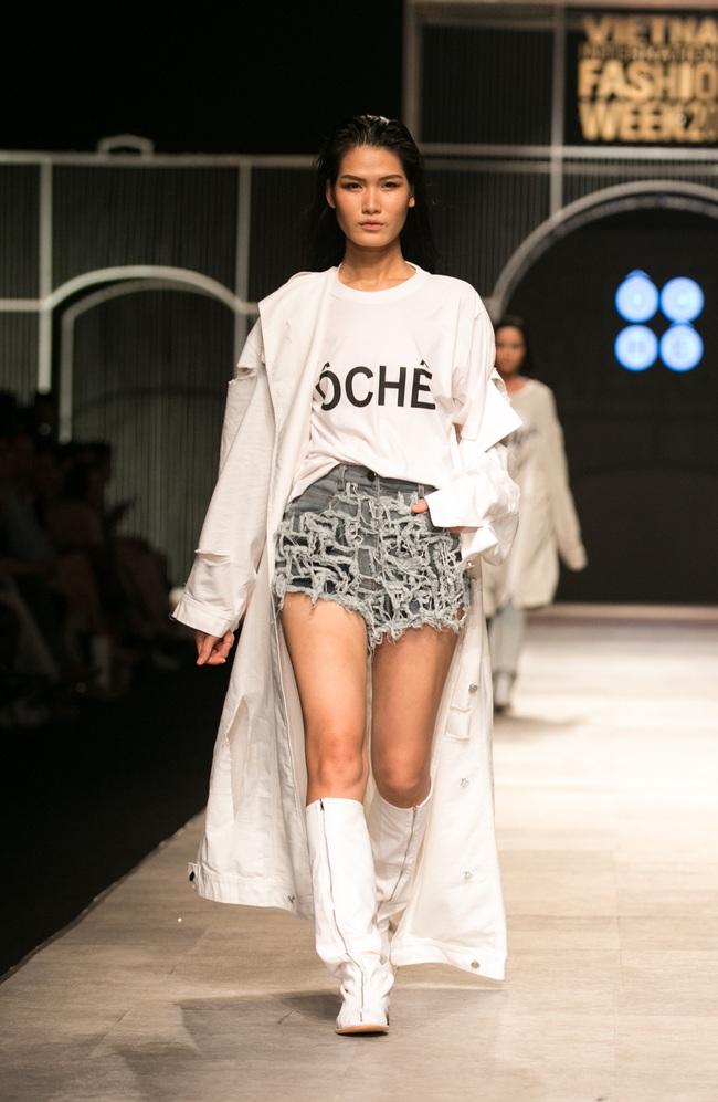 Hot girl Hà Lade tái xuất sàn catwalk, Hoàng Thùy làm vedette trong đêm diễn thứ 2 của Vietnam International Fashion Week - Ảnh 105.