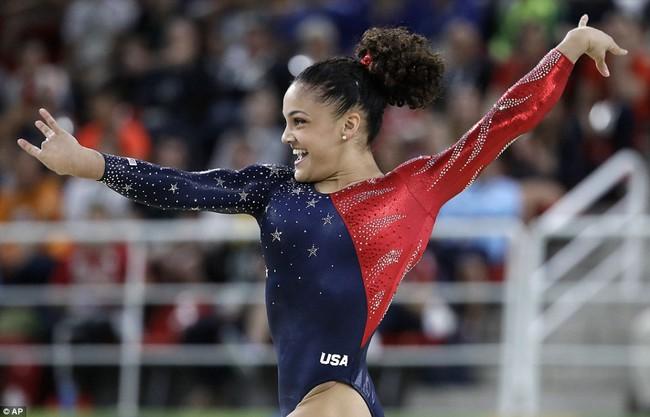 Mỗi vận động viên tuyển thể dục dụng cụ Mỹ tại Olympic đều sở hữu set đồng phục gần 300 triệu đồng - Ảnh 6.