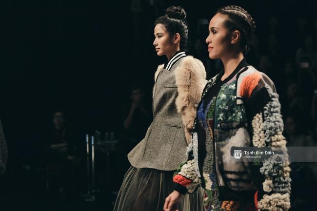 Hot girl Hà Lade tái xuất sàn catwalk, Hoàng Thùy làm vedette trong đêm diễn thứ 2 của Vietnam International Fashion Week - Ảnh 5.