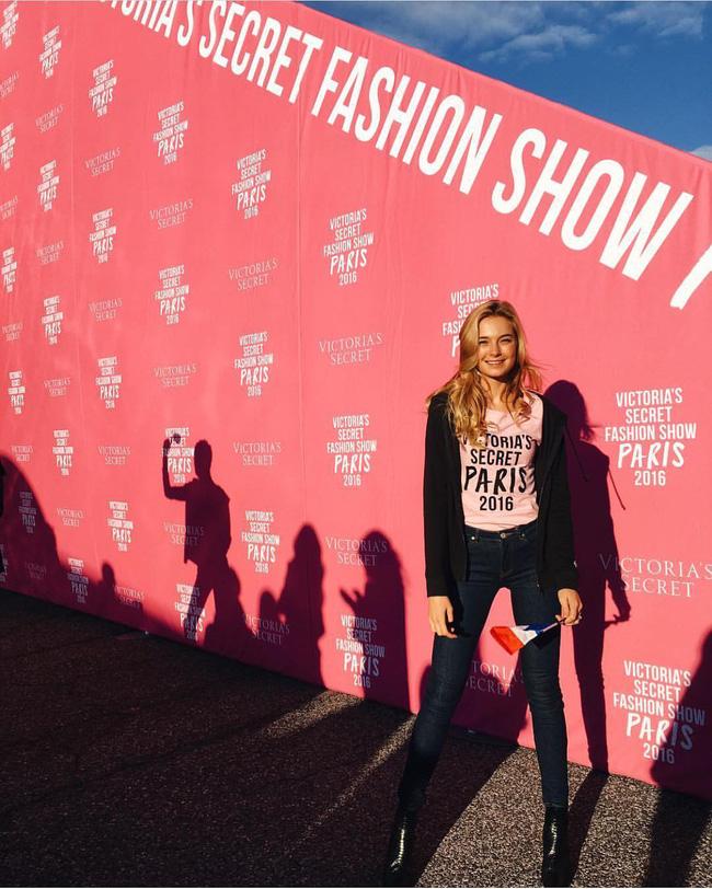 Dàn thiên thần Victorias Secret tưng bừng lên đường sang Paris chuẩn bị cho VSFS 2016 - Ảnh 13.