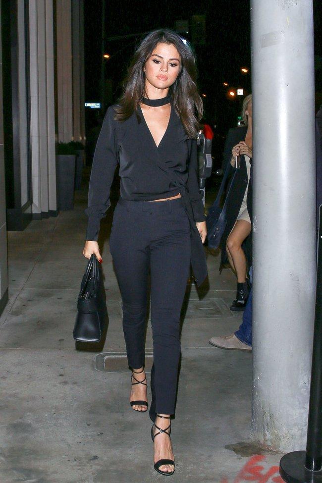 Rộ tin Selena Gomez ký hợp đồng 227 tỉ VNĐ với Coach, không chỉ làm đại diện mà còn thiết kế hẳn một BST - Ảnh 5.