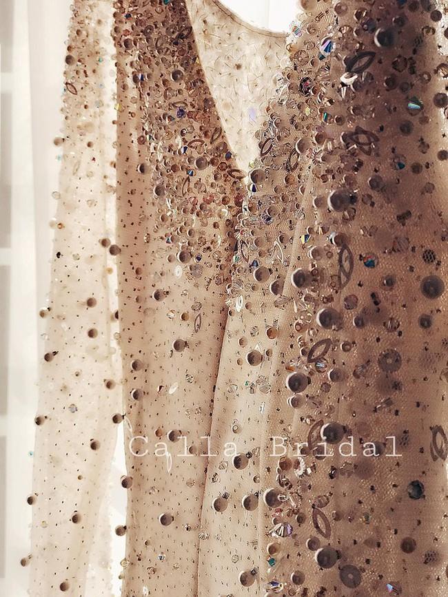 Ngắm trọn bộ 7 chiếc váy cưới, 4 bộ áo dài cùng loạt phụ kiện xa xỉ của cô gái thời tiết Mai Ngọc - Ảnh 7.