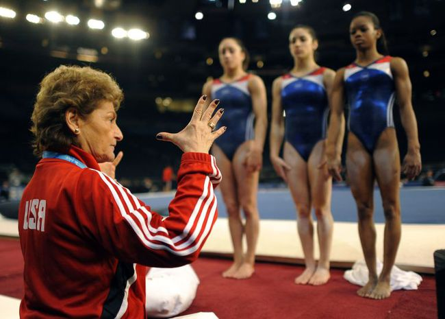 Mỗi vận động viên tuyển thể dục dụng cụ Mỹ tại Olympic đều sở hữu set đồng phục gần 300 triệu đồng - Ảnh 8.
