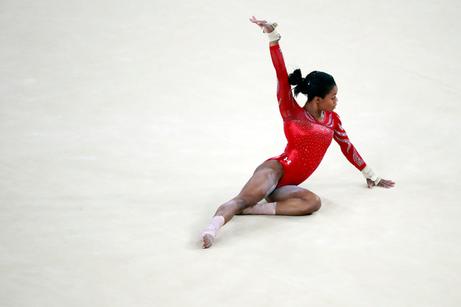 Mỗi vận động viên tuyển thể dục dụng cụ Mỹ tại Olympic đều sở hữu set đồng phục gần 300 triệu đồng - Ảnh 3.