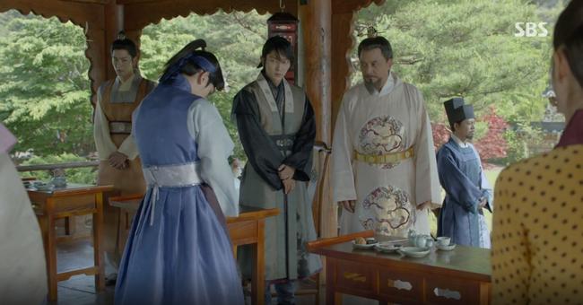Moon Lovers: Hoàng tử Baekhyun sống chết đòi tự tử để không phải thành thân - Ảnh 5.