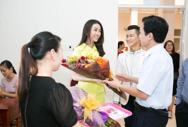 Tân Hoa hậu Mỹ Linh xinh đẹp rực rỡ, kết đôi cùng Đức Tuấn trong dự án quảng bá du lịch - Ảnh 2.