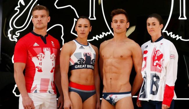 Không chỉ có mồ hôi và cơ bắp, Olympic 2016 còn là mặt trận của các thương hiệu thời trang - Ảnh 9.