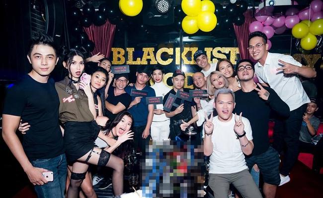 Dàn mẫu blacklist và cựu giám khảo Next Top mở đại hội ăn chơi nhảy múa, chặt chém lại vụ bị cấm diễn - Ảnh 1.