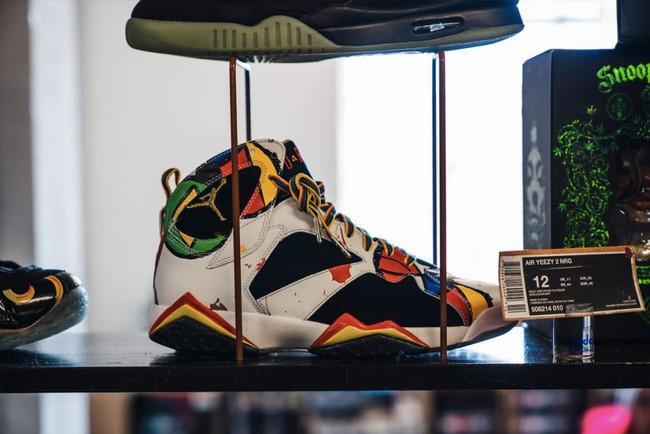 15 đôi sneaker chỉ thấy giá cũng đủ để khiến bạn kinh hồn bạt vía - Ảnh 4.