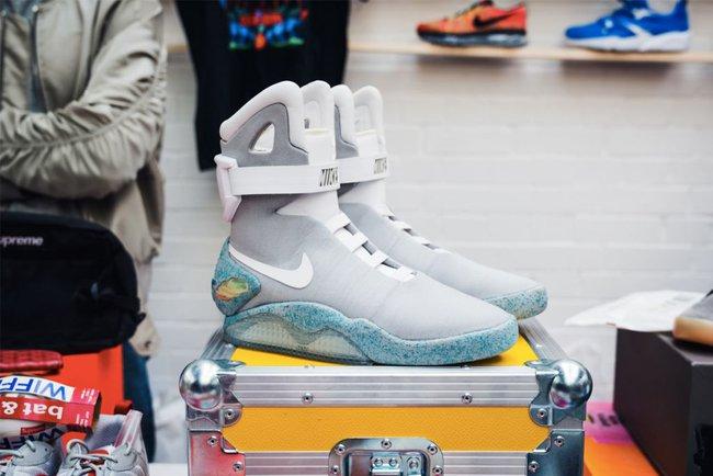 15 đôi sneaker chỉ thấy giá cũng đủ để khiến bạn kinh hồn bạt vía - Ảnh 2.