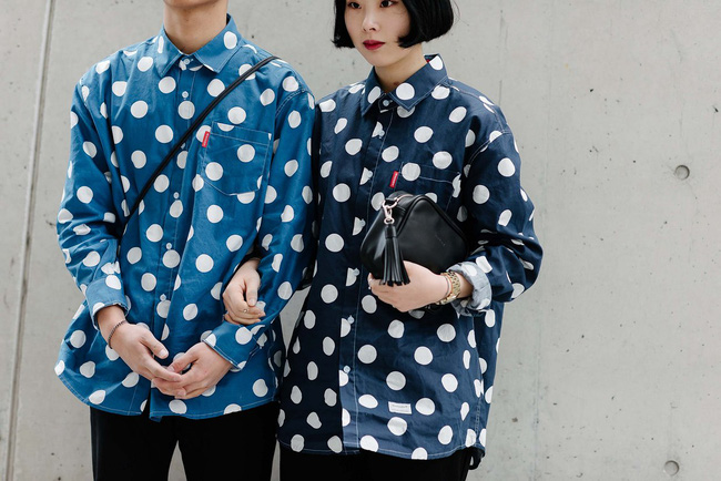 Tips mặc đơn giản mà vẫn nổi bật của fashionista Hàn là đây! - Ảnh 1.