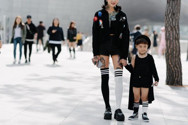 Tips mặc đơn giản mà vẫn nổi bật của fashionista Hàn là đây! - Ảnh 19.