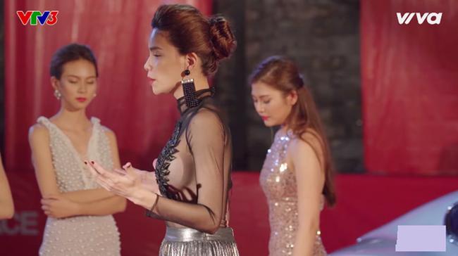 Can tội hở bạo, MC của Miss World 2016 bị truyền hình Thái Lan xóa mờ hình ảnh - Ảnh 4.