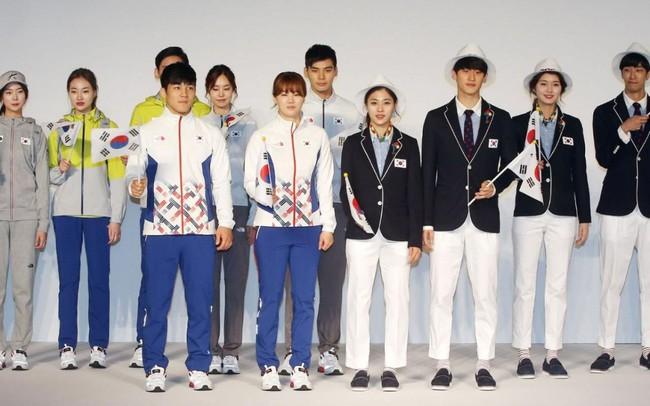 Không chỉ có mồ hôi và cơ bắp, Olympic 2016 còn là mặt trận của các thương hiệu thời trang - Ảnh 14.