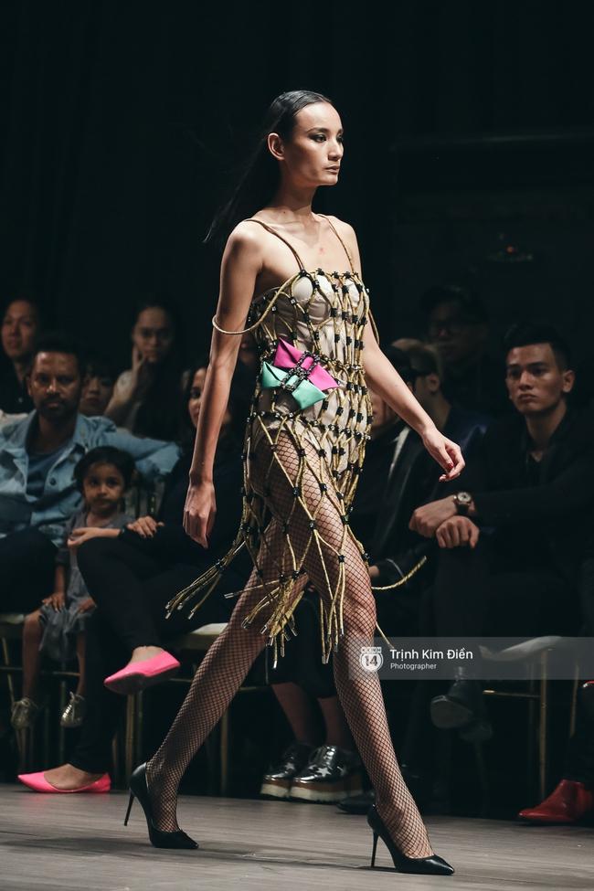 Kỳ Duyên trình diễn không thể gắt hơn, em gái Trang Khiếu lần đầu biết thế nào là catwalk - Ảnh 21.
