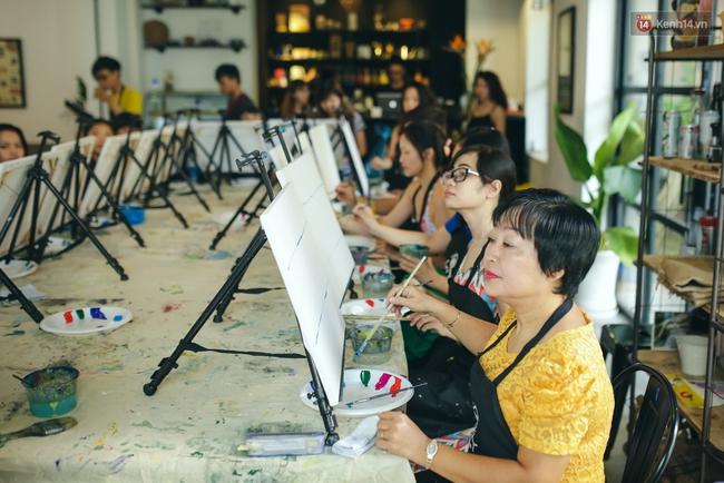 Có gì ở lớp học vẽ thư giãn đang cực hot tại Hà Nội và Sài Gòn thời gian gần đây? - Ảnh 16.