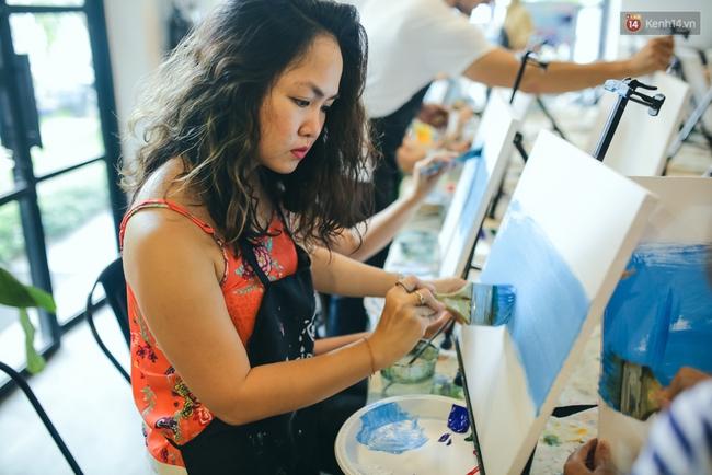 Có gì ở lớp học vẽ thư giãn đang cực hot tại Hà Nội và Sài Gòn thời gian gần đây? - Ảnh 18.