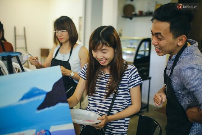 Có gì ở lớp học vẽ thư giãn đang cực hot tại Hà Nội và Sài Gòn thời gian gần đây? - Ảnh 12.