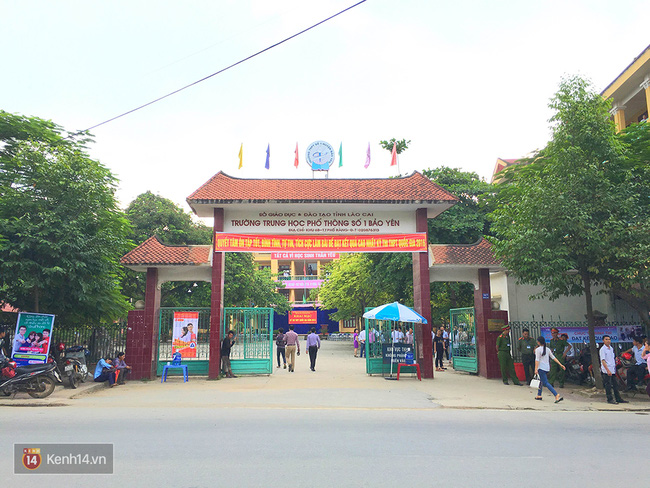 Gần 900.000 thí sinh làm thủ tục chính thức bước vào kỳ thi THPT Quốc gia - Ảnh 27.