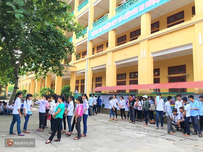 Gần 900.000 thí sinh làm thủ tục chính thức bước vào kỳ thi THPT Quốc gia - Ảnh 29.