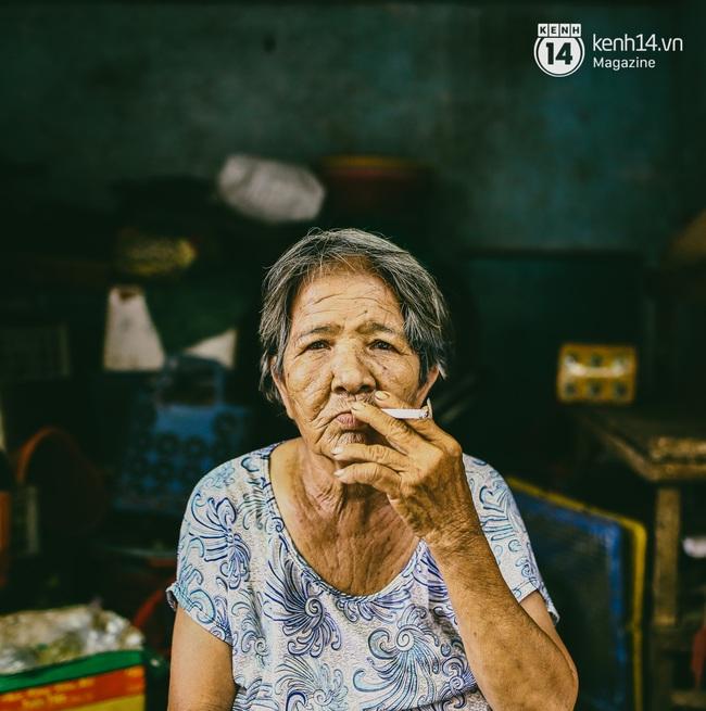 Người miền Trung ở Sài Gòn, nhớ quê thì tới chợ Bà Hoa để nghe những chi, mô, rứa, hè thật thân thương... - Ảnh 15.