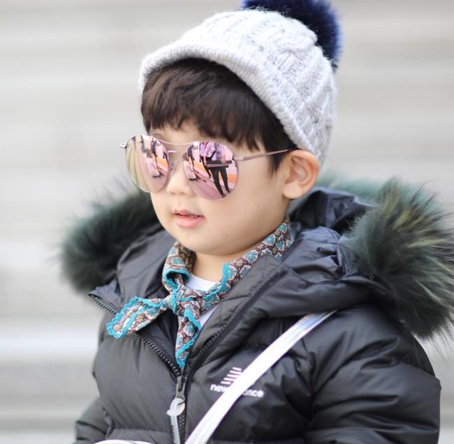 Fashionista hay Ngôi sao? Không, chính các cô bé cậu bé này mới đang thống trị Seoul Fashion Week! - Ảnh 20.