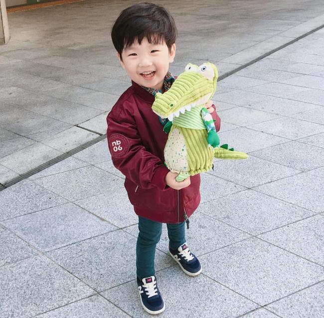 Fashionista hay Ngôi sao? Không, chính các cô bé cậu bé này mới đang thống trị Seoul Fashion Week! - Ảnh 23.