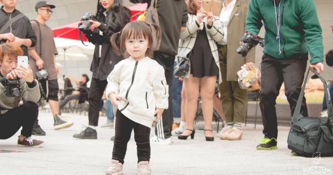 Fashionista hay Ngôi sao? Không, chính các cô bé cậu bé này mới đang thống trị Seoul Fashion Week! - Ảnh 25.