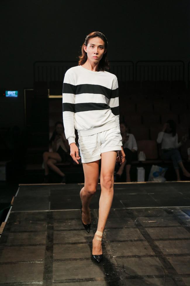 Minh Tú diện quần tụt lộ hẳn underwear, chỉ đạo Phí Phương Anh tập catwalk - Ảnh 8.