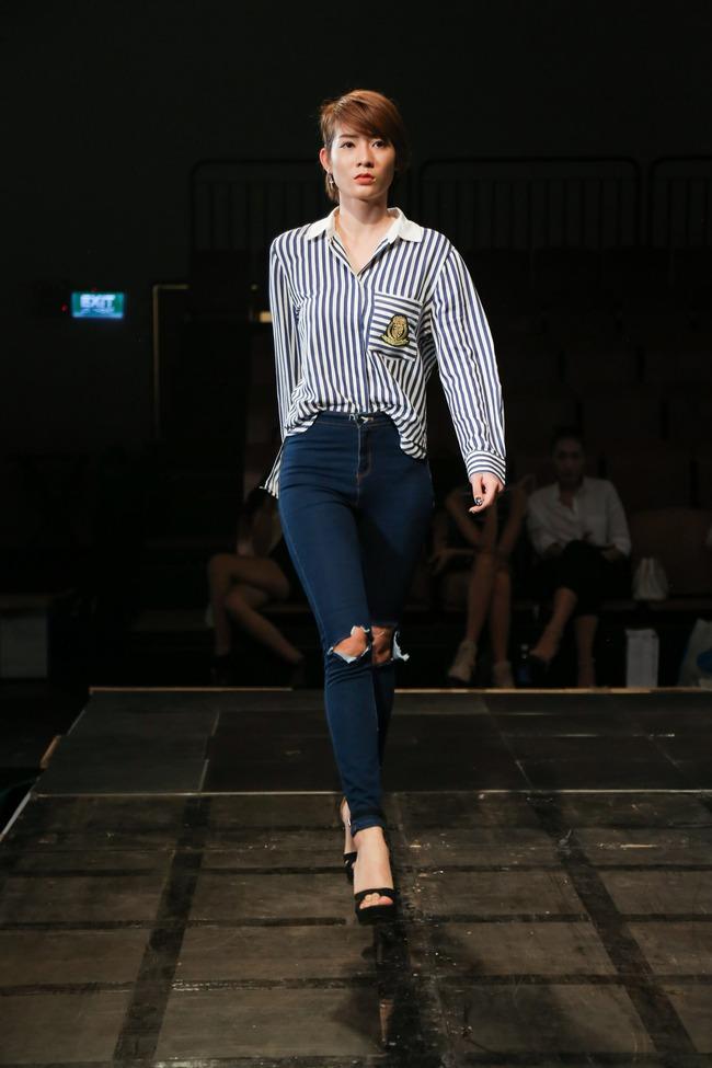 Minh Tú diện quần tụt lộ hẳn underwear, chỉ đạo Phí Phương Anh tập catwalk - Ảnh 11.
