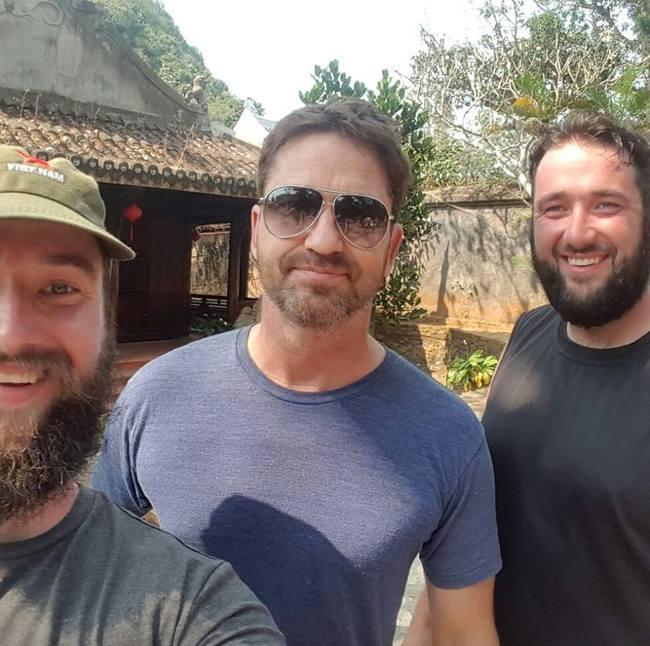 Vừa đặt chân đến Việt Nam, tài tử phim 300 Gerard Butler đã bị mất ví - Ảnh 3.