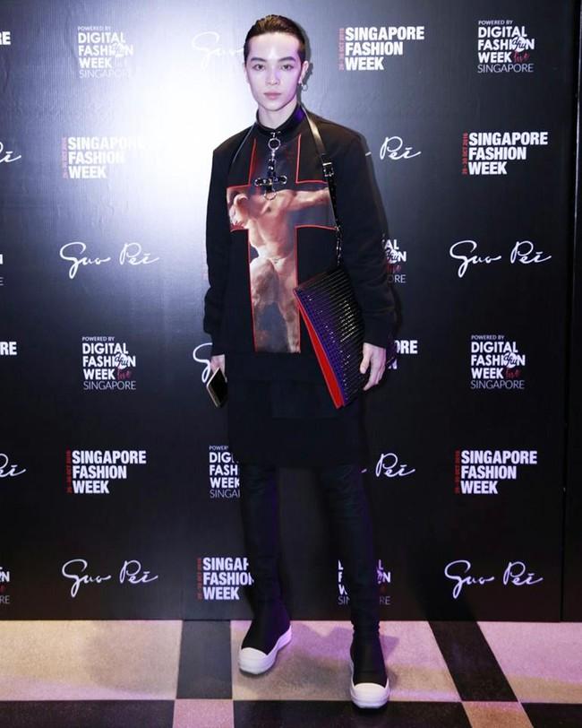 Kelbin Lei dự show diễn của NTK trứ danh đã tạo nên váy ốp-la cho Rihanna - Ảnh 2.
