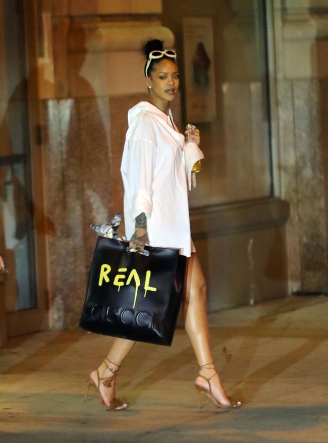 Kelbin Lei chi đến hơn 260 triệu đồng để dự Singapore Fashion Week , đụng túi hiệu với Hồ Ngọc Hà - Ảnh 15.