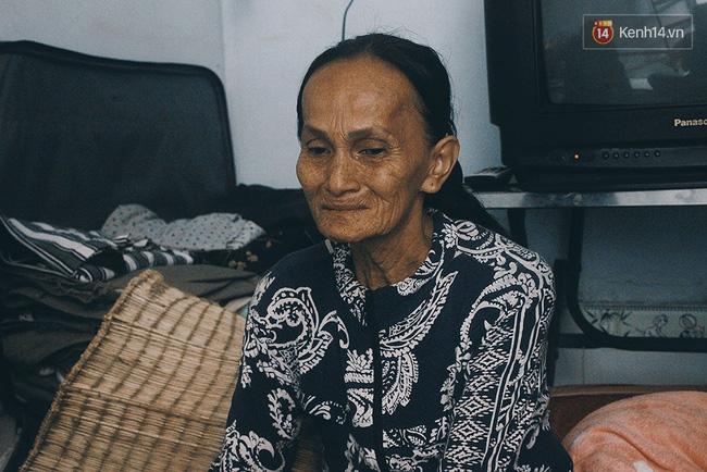Vợ Việt chồng Tây hơn 20 năm lang thang Sài Gòn, bán vé số nuôi con trai thiểu năng - Ảnh 12.