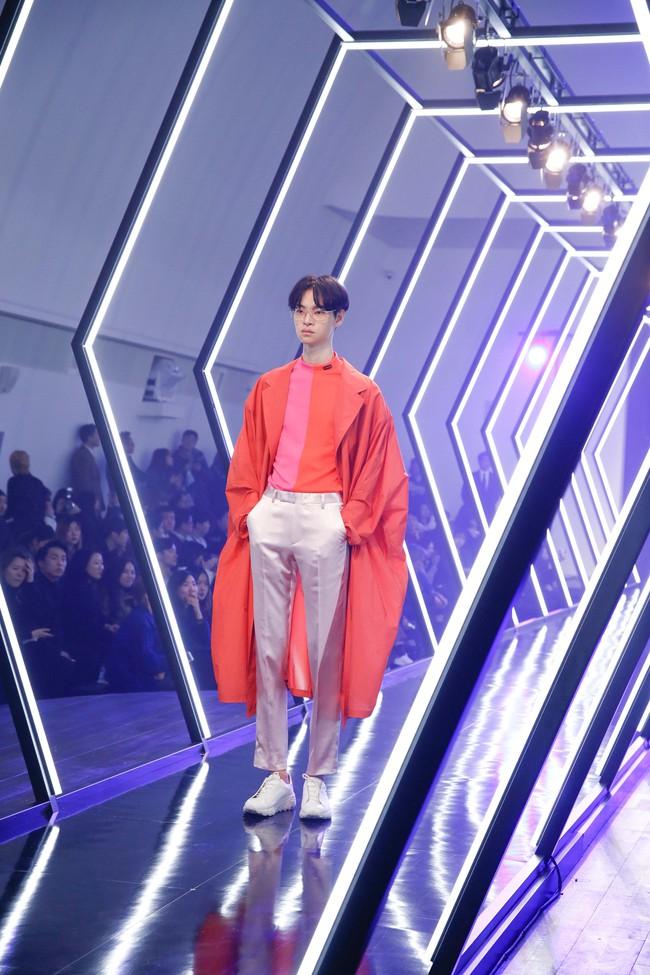 Kelbin Lei lại im ỉm qua Seoul dự show thời trang, sánh vai bên Luna (f(x)) - Ảnh 8.
