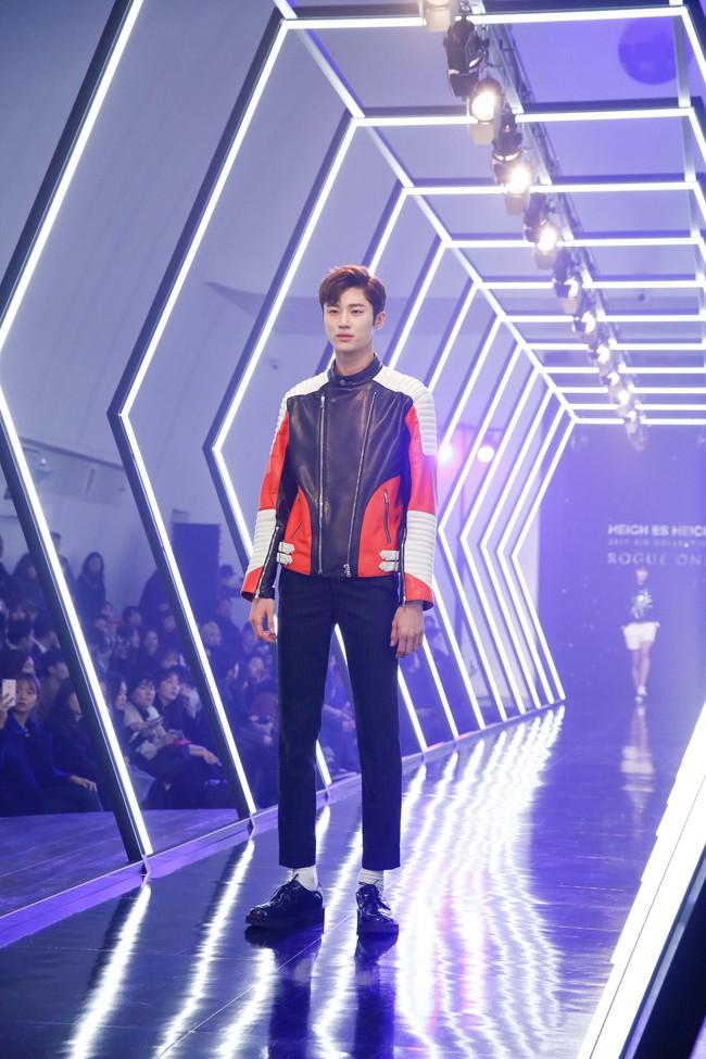 Kelbin Lei lại im ỉm qua Seoul dự show thời trang, sánh vai bên Luna (f(x)) - Ảnh 13.