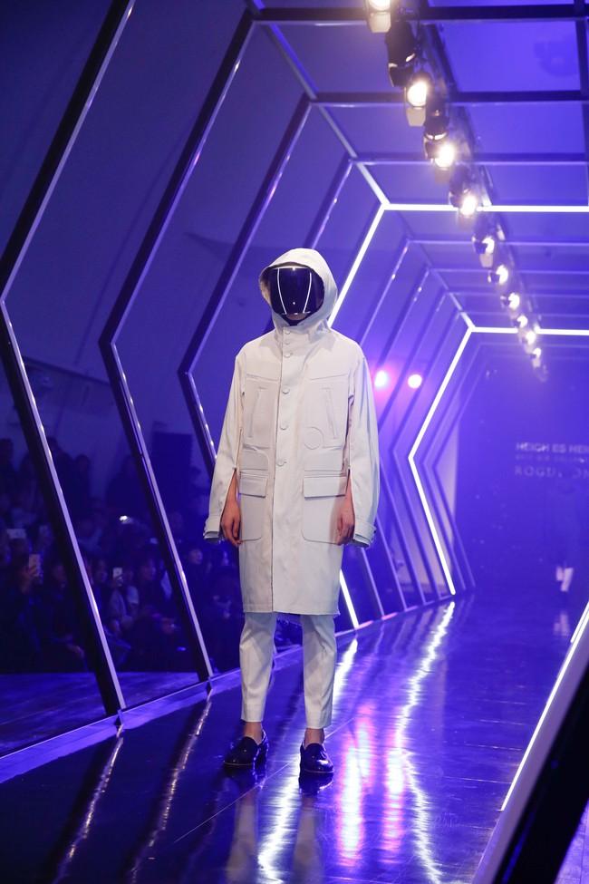 Kelbin Lei lại im ỉm qua Seoul dự show thời trang, sánh vai bên Luna (f(x)) - Ảnh 14.