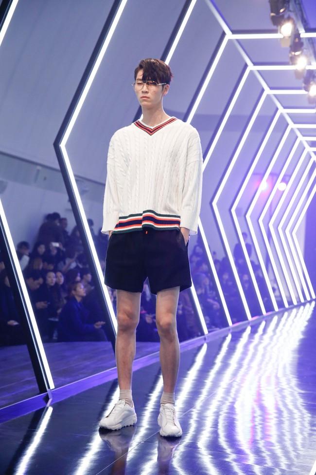 Kelbin Lei lại im ỉm qua Seoul dự show thời trang, sánh vai bên Luna (f(x)) - Ảnh 15.