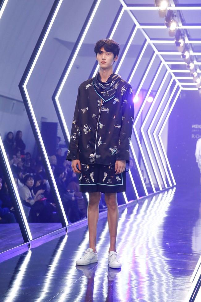 Kelbin Lei lại im ỉm qua Seoul dự show thời trang, sánh vai bên Luna (f(x)) - Ảnh 18.