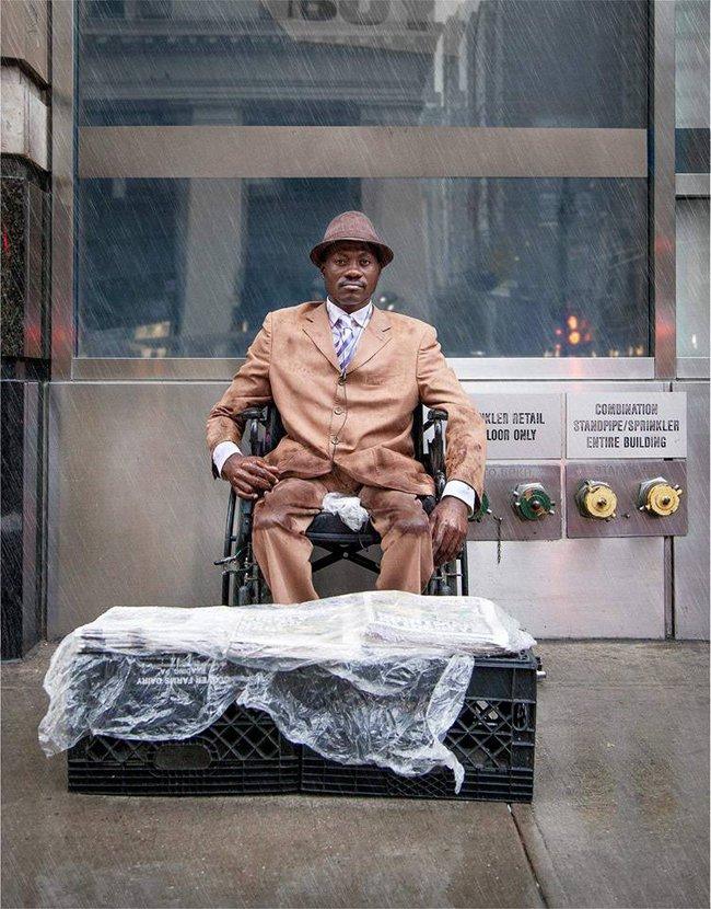 Người bán báo này sẽ khiến bạn tin rằng, thời trang chẳng phải điều xa vời với ai - Ảnh 6.