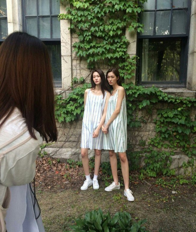Cặp mẫu sinh đôi nhà YG khiến netizen đảo điên vì quá đẹp! - Ảnh 19.